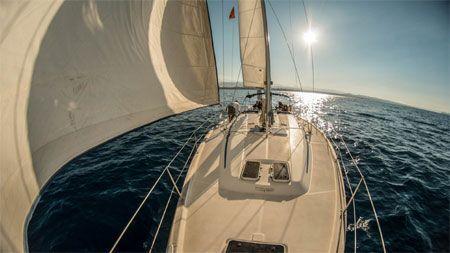 velero mar crucero