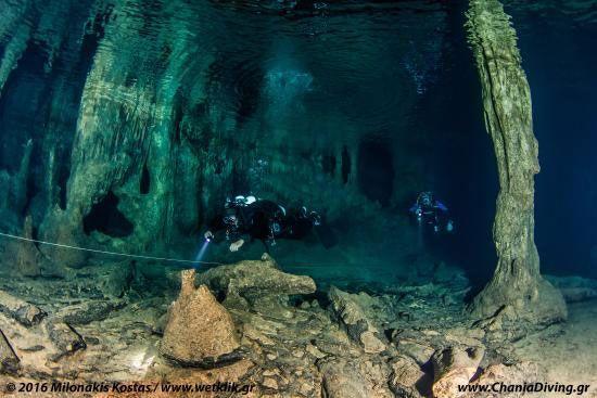 buceo cueva elef chania